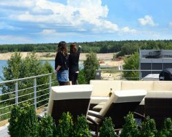 strandhaus-scado-lausitzer-seenland-resort-dachterrasse-03-e3